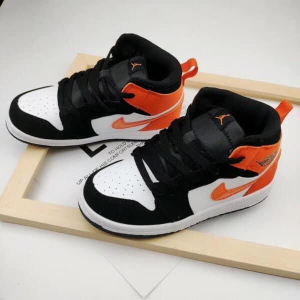 Giày trẻ em Air Jordan 1 Mid màu đen gót cam