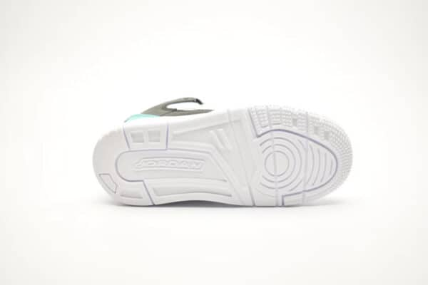 Giày air jordan 11 Max aura màu trắng xanh hồng