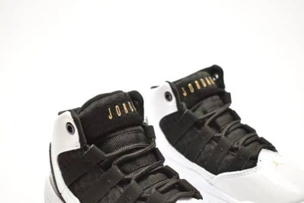 Giày air jordan 11 Max Aura màu đen trắng
