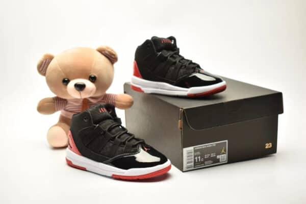 Giày air jordan 11 Max Aura màu đen đế đỏ