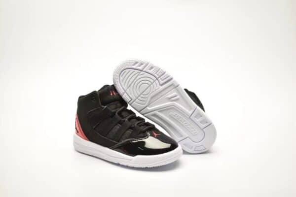 Giày air jordan 11 Max Aura màu đen đế trắng