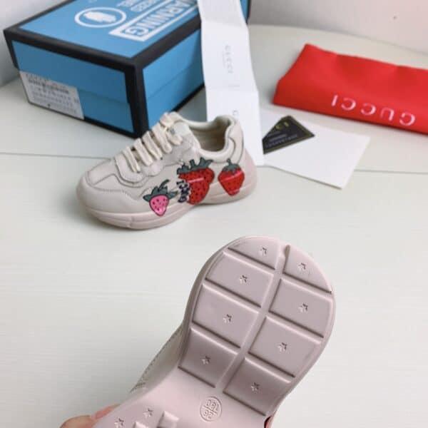 Giày Gucci trẻ em Chunky họa tiết dâu siêu cấp