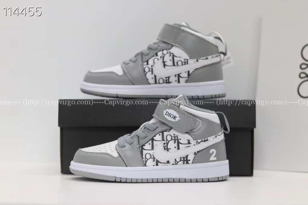 Giày nike Jordan trẻ em DIOR màu ghi dán dính