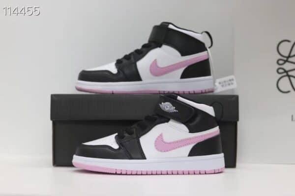 Giày nike Jordan trẻ em màu đen logo hồng dán dính