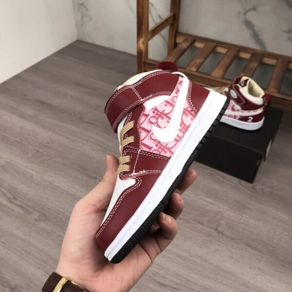 Giày nike Jordan trẻ em DIOR màu đỏ vang dán dính