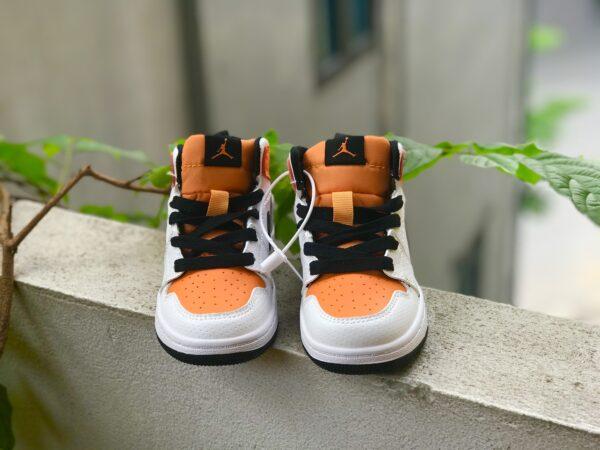 Giày air Jordan 1 trẻ em màu trắng cam