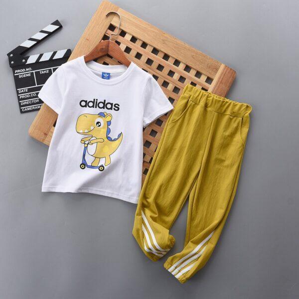 Bộ quần áo Adidas trẻ em họa tiết khủng lung P700100160