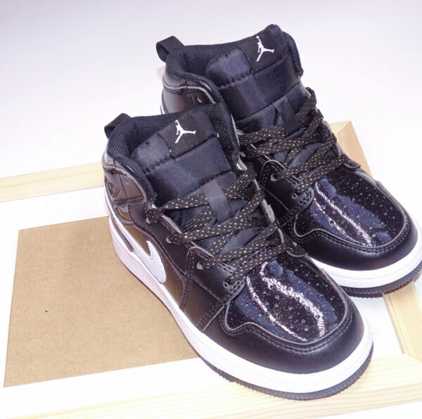 Giày air Jordan 1 trẻ em màu đen kim tuyến