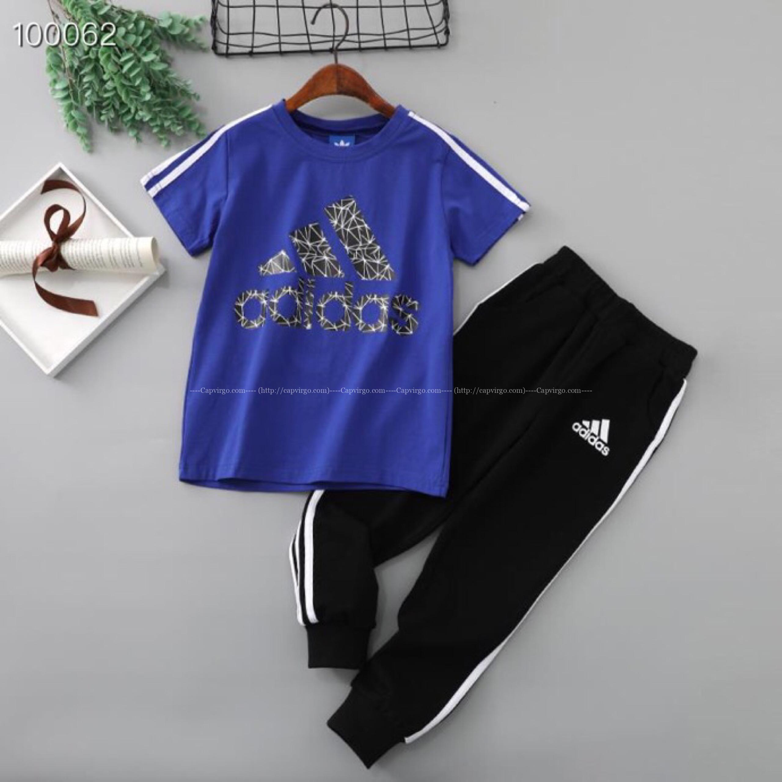 Bộ quần áo adidas trẻ em P850110170 logo họa tiết
