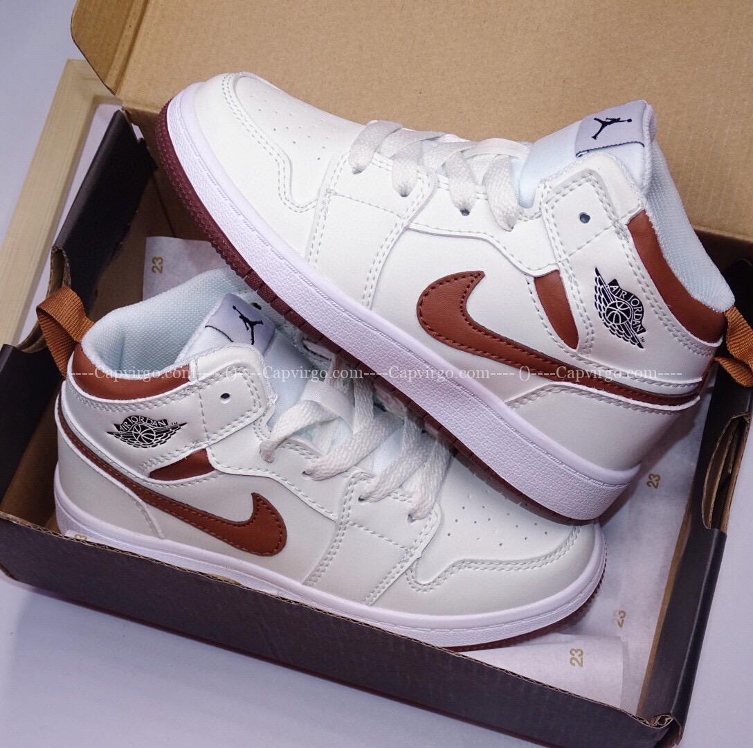 Giày air Jordan 1 trẻ em màu trắng swoosh nâu