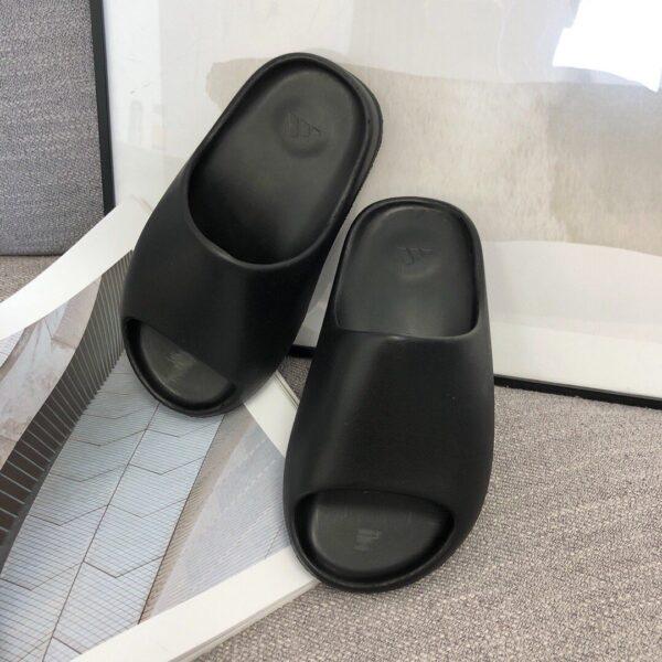 Dép adidas Yeezy màu đen