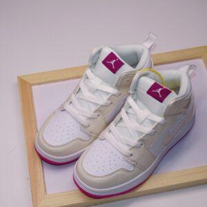 Giày air Jordan 1 trẻ em màu trắng sữa đế tím hồng
