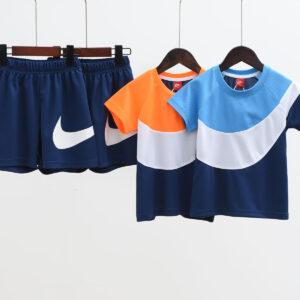 Bộ quần áo Nike trẻ em pha màu