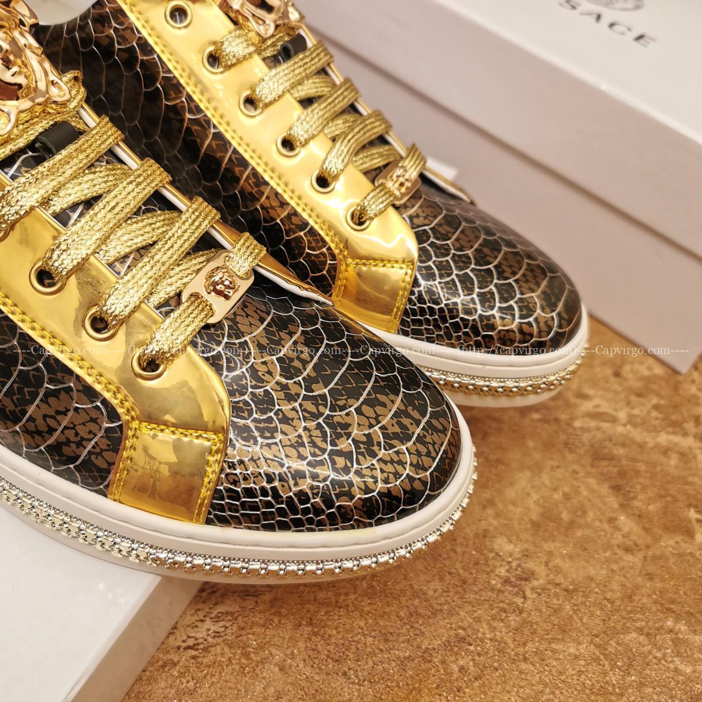 Giày nam Versace siêu cấp hoạt tiết da rắn màu vàng