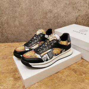 Giày Versace màu đen họa tiết hoa