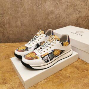 Giày Versace màu trắng họa tiết hoa