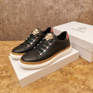 Giày Versace cổ thấp màu đen khóa logo Versace