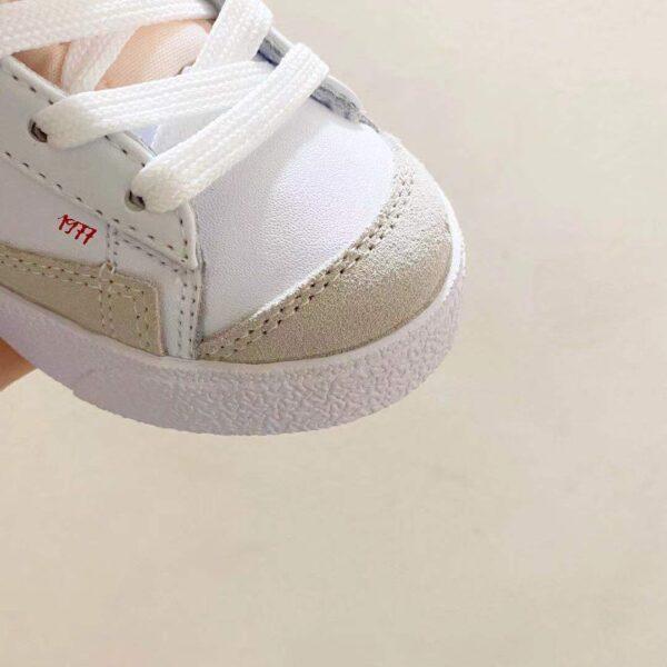 Giày nike trẻ em Traiblazer video game màu trắng logo đỏ