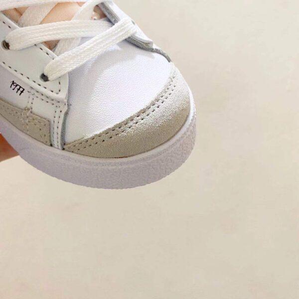 Giày nike trẻ em Traiblazer video game màu trắng logo đen