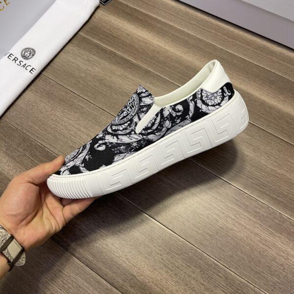 Giày Versace Original Single màu đen họa tiết trắng
