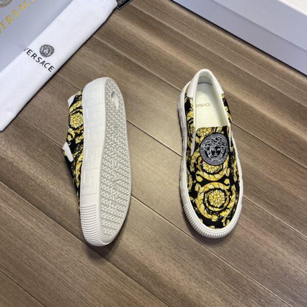 Giày Versace Original Single màu đen họa tiết vàng