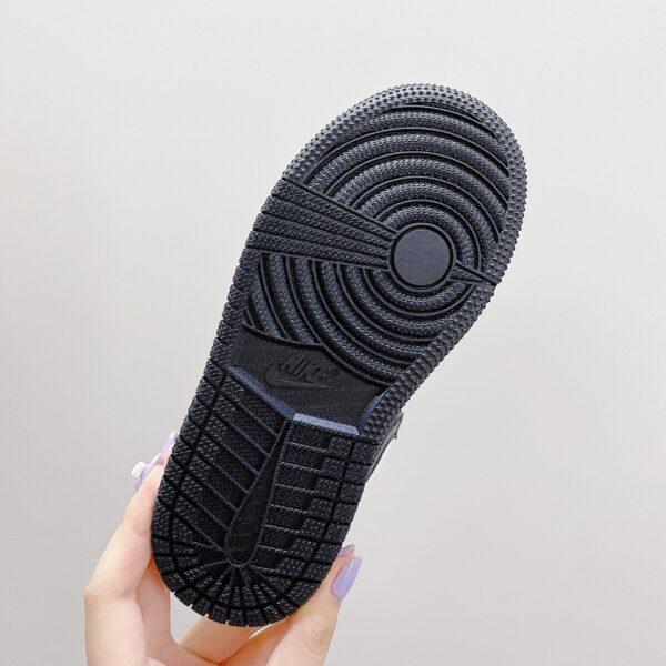 Giày nike jordan low trẻ em màu ghi logo đen