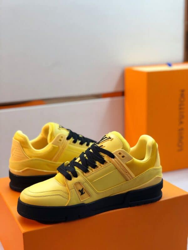 Giày thể thao Louis Vuitton màu vàng