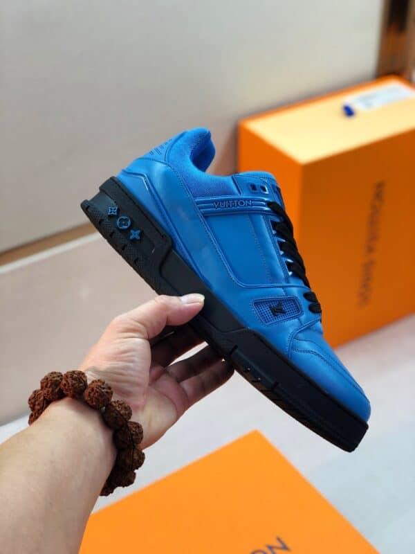 Giày thể thao Louis Vuitton màu xanh tím than