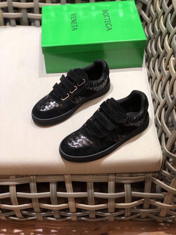 Giày Bottega Veneta cổ thấp màu nâu đen