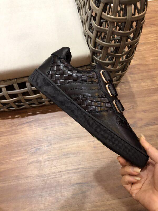 Giày Bottega Veneta cổ thấp màu full đen