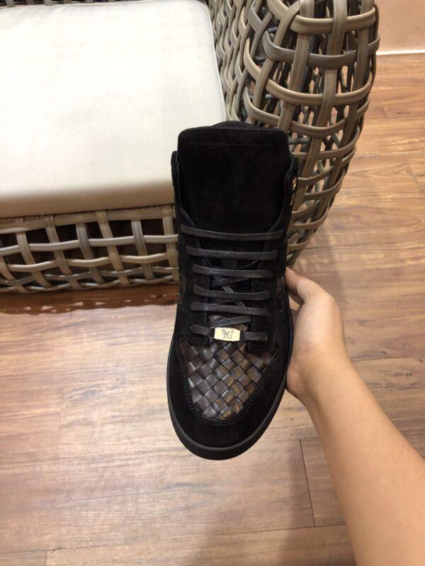 Giày Bottega Veneta cao cổ màu đen