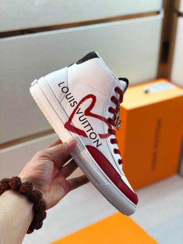 Giày Louis Vuitton cao cổ viền đỏ