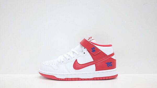 Giày nike sb mid-cut dunk trẻ em chân 2 màu xanh đỏ